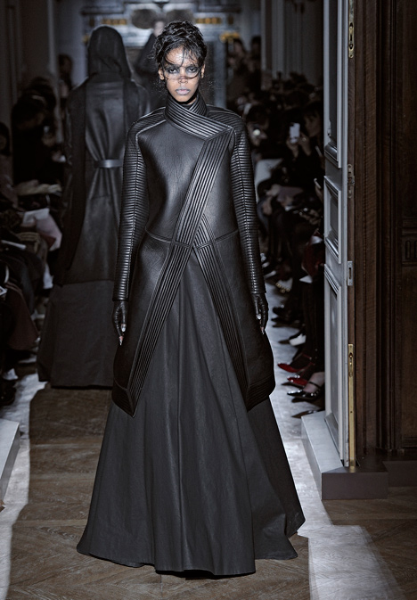 dezeen_Autumn-Winter-2013-collection-by-Gareth-Pugh_20